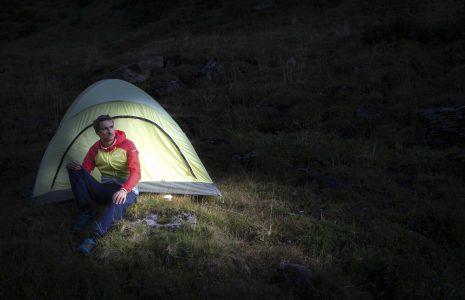 OLI vor Zelt