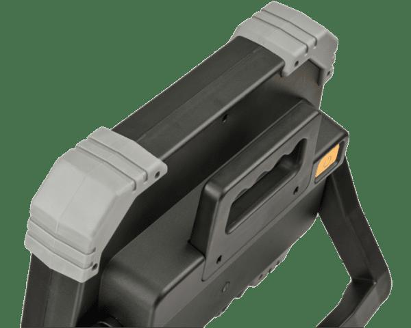 brennenstuhl-led-strahler-dinora-2-min